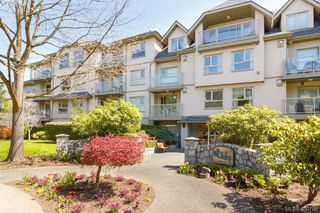 Photo 1: 402 1715 Richmond Road in VICTORIA: Vi Jubilee Condo Apartment for sale (Victoria)  : MLS®# 390708