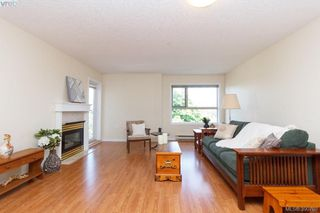 Photo 5: 402 1715 Richmond Road in VICTORIA: Vi Jubilee Condo Apartment for sale (Victoria)  : MLS®# 390708