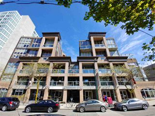 Photo 1: 318 1529 W 6TH Avenue in Vancouver: False Creek Condo for sale (Vancouver West)  : MLS®# R2264614