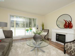 Photo 2: 304 710 Lampson St in VICTORIA: Es Rockheights Condo for sale (Esquimalt)  : MLS®# 790108
