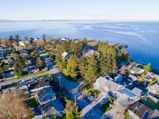 "Photo 2: 3033 MCBRIDE Avenue in Surrey: Crescent Bch Ocean Pk. House for sale in ""Crescent Beach"" (South Surrey White Rock)  : MLS®# R2280525"