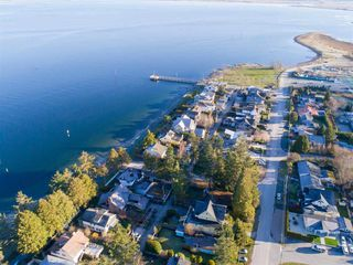 "Photo 5: 3033 MCBRIDE Avenue in Surrey: Crescent Bch Ocean Pk. House for sale in ""Crescent Beach"" (South Surrey White Rock)  : MLS®# R2280525"