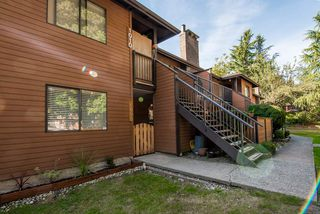 """Photo 2: 1008 10620 150 Street in Surrey: Guildford Condo for sale in """"LINCOLN'S GATE"""" (North Surrey)  : MLS®# R2308067"""