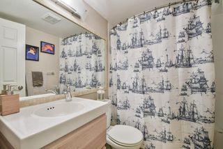 """Photo 16: 1008 10620 150 Street in Surrey: Guildford Condo for sale in """"LINCOLN'S GATE"""" (North Surrey)  : MLS®# R2308067"""