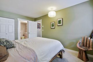 """Photo 14: 1008 10620 150 Street in Surrey: Guildford Condo for sale in """"LINCOLN'S GATE"""" (North Surrey)  : MLS®# R2308067"""
