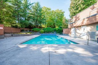 """Photo 19: 1008 10620 150 Street in Surrey: Guildford Condo for sale in """"LINCOLN'S GATE"""" (North Surrey)  : MLS®# R2308067"""