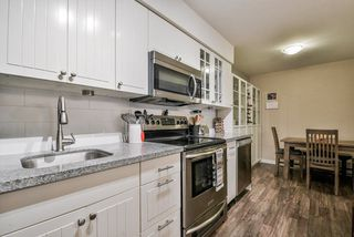 """Photo 5: 1008 10620 150 Street in Surrey: Guildford Condo for sale in """"LINCOLN'S GATE"""" (North Surrey)  : MLS®# R2308067"""