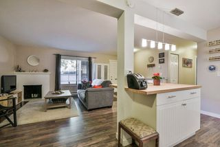 """Photo 6: 1008 10620 150 Street in Surrey: Guildford Condo for sale in """"LINCOLN'S GATE"""" (North Surrey)  : MLS®# R2308067"""