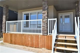 Photo 2: 282 Kloppenburg Way in Saskatoon: Evergreen Residential for sale : MLS®# SK748044