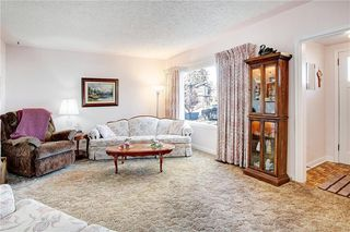 Photo 5: 235 15 Avenue NW in Calgary: Crescent Heights Detached for sale : MLS®# C4214644