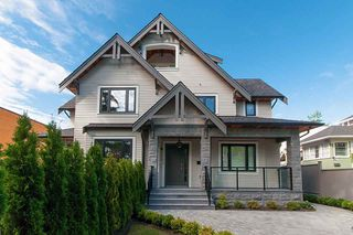 Main Photo: 2585 W 2ND Avenue in Vancouver: Kitsilano House 1/2 Duplex for sale (Vancouver West)  : MLS®# R2331347