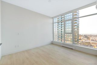 "Photo 9: 2206 4670 ASSEMBLY Way in Burnaby: Metrotown Condo for sale in ""STATION SQUARE 2"" (Burnaby South)  : MLS®# R2347392"