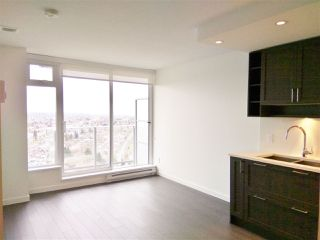 """Photo 2: 3106 5665 BOUNDARY Road in Vancouver: Collingwood VE Condo for sale in """"Wall Centre Central Park"""" (Vancouver East)  : MLS®# R2352830"""