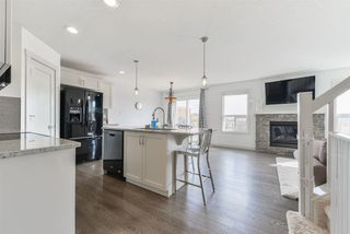Photo 4: 1647 HAMMOND Crescent in Edmonton: Zone 58 House Half Duplex for sale : MLS®# E4150919