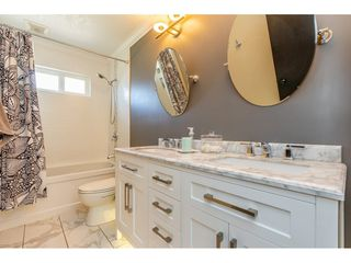 Photo 10: 3905 208 STREET in Langley: Brookswood Langley House for sale : MLS®# R2361826