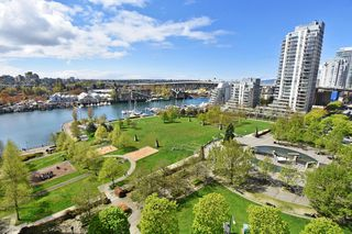 "Photo 3: 1203 455 BEACH Crescent in Vancouver: Yaletown Condo for sale in ""PARK WEST ONE"" (Vancouver West)  : MLS®# R2362435"