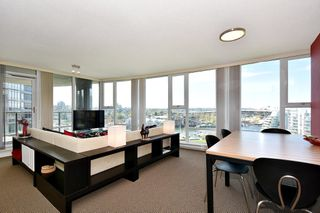 "Photo 9: 1203 455 BEACH Crescent in Vancouver: Yaletown Condo for sale in ""PARK WEST ONE"" (Vancouver West)  : MLS®# R2362435"