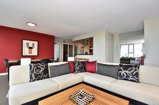 "Photo 5: 1203 455 BEACH Crescent in Vancouver: Yaletown Condo for sale in ""PARK WEST ONE"" (Vancouver West)  : MLS®# R2362435"