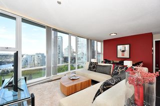 "Photo 7: 1203 455 BEACH Crescent in Vancouver: Yaletown Condo for sale in ""PARK WEST ONE"" (Vancouver West)  : MLS®# R2362435"