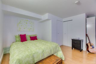 "Photo 12: 404 933 SEYMOUR Street in Vancouver: Downtown VW Condo for sale in ""THE SPOT"" (Vancouver West)  : MLS®# R2374905"