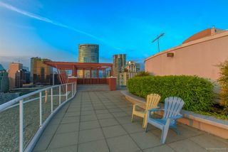 "Photo 18: 404 933 SEYMOUR Street in Vancouver: Downtown VW Condo for sale in ""THE SPOT"" (Vancouver West)  : MLS®# R2374905"