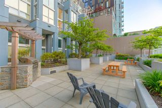 "Photo 19: 404 933 SEYMOUR Street in Vancouver: Downtown VW Condo for sale in ""THE SPOT"" (Vancouver West)  : MLS®# R2374905"