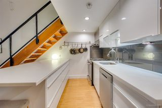 "Photo 10: 404 933 SEYMOUR Street in Vancouver: Downtown VW Condo for sale in ""THE SPOT"" (Vancouver West)  : MLS®# R2374905"