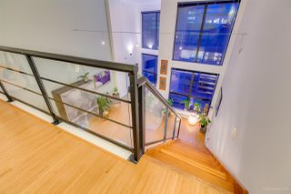 "Photo 6: 404 933 SEYMOUR Street in Vancouver: Downtown VW Condo for sale in ""THE SPOT"" (Vancouver West)  : MLS®# R2374905"