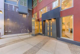 "Photo 2: 404 933 SEYMOUR Street in Vancouver: Downtown VW Condo for sale in ""THE SPOT"" (Vancouver West)  : MLS®# R2374905"