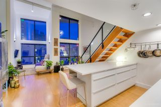 "Photo 8: 404 933 SEYMOUR Street in Vancouver: Downtown VW Condo for sale in ""THE SPOT"" (Vancouver West)  : MLS®# R2374905"