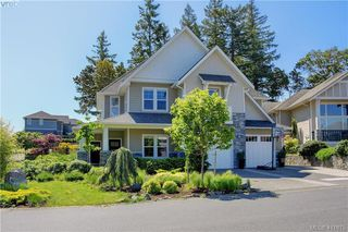 Photo 3: 1241 Rockhampton Close in VICTORIA: La Bear Mountain Single Family Detached for sale (Langford)  : MLS®# 411675