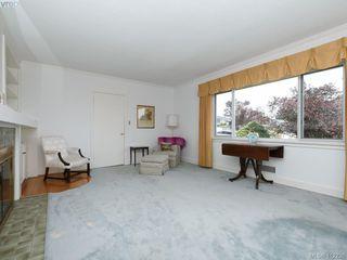 Photo 4: 3034 Larkdowne Rd in VICTORIA: OB Henderson Single Family Detached for sale (Oak Bay)  : MLS®# 817354