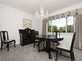 Photo 7: 3034 Larkdowne Rd in VICTORIA: OB Henderson Single Family Detached for sale (Oak Bay)  : MLS®# 817354