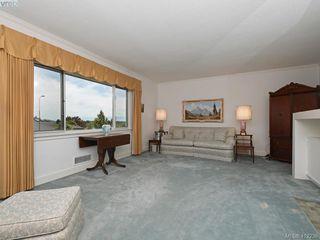 Photo 3: 3034 Larkdowne Rd in VICTORIA: OB Henderson Single Family Detached for sale (Oak Bay)  : MLS®# 817354