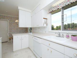 Photo 11: 3034 Larkdowne Rd in VICTORIA: OB Henderson Single Family Detached for sale (Oak Bay)  : MLS®# 817354