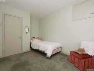 Photo 16: 3034 Larkdowne Rd in VICTORIA: OB Henderson Single Family Detached for sale (Oak Bay)  : MLS®# 817354