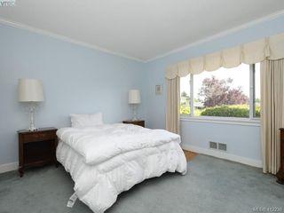 Photo 13: 3034 Larkdowne Rd in VICTORIA: OB Henderson Single Family Detached for sale (Oak Bay)  : MLS®# 817354
