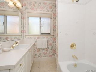 Photo 15: 3034 Larkdowne Rd in VICTORIA: OB Henderson Single Family Detached for sale (Oak Bay)  : MLS®# 817354