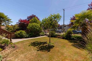 Photo 2: 541 E 28TH Avenue in Vancouver: Fraser VE House for sale (Vancouver East)  : MLS®# R2380881
