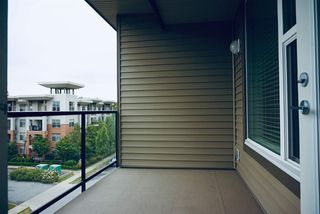 "Photo 15: 410 1975 MCCALLUM Road in Abbotsford: Central Abbotsford Condo for sale in ""The Crossing"" : MLS®# R2387353"