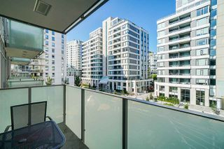 """Photo 15: 413 1661 QUEBEC Street in Vancouver: Mount Pleasant VE Condo for sale in """"Voda"""" (Vancouver East)  : MLS®# R2408095"""