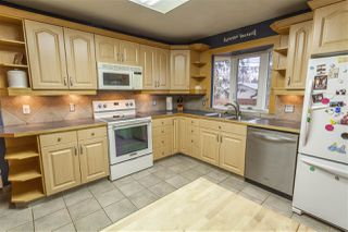 Photo 11: 15914 92A Avenue in Edmonton: Zone 22 House for sale : MLS®# E4179123