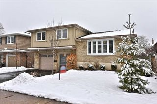 Photo 1: 2302 Wyandotte Drive in Oakville: Bronte West House (Sidesplit 3) for sale : MLS®# W4695457