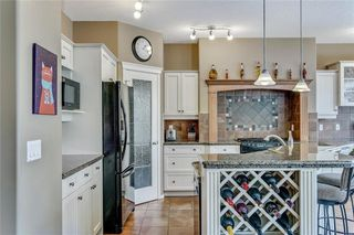 Photo 8: 90 STRATHLEA Crescent SW in Calgary: Strathcona Park Detached for sale : MLS®# C4289258