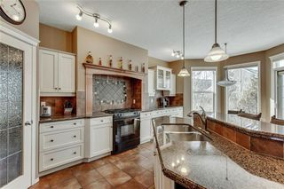 Photo 13: 90 STRATHLEA Crescent SW in Calgary: Strathcona Park Detached for sale : MLS®# C4289258