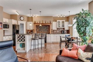 Photo 20: 90 STRATHLEA Crescent SW in Calgary: Strathcona Park Detached for sale : MLS®# C4289258