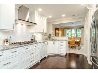 """Photo 4: 2 1640 148 Street in Surrey: Sunnyside Park Surrey Townhouse for sale in """"ENGLESEA COURT"""" (South Surrey White Rock)  : MLS®# R2486091"""