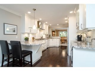 """Photo 5: 2 1640 148 Street in Surrey: Sunnyside Park Surrey Townhouse for sale in """"ENGLESEA COURT"""" (South Surrey White Rock)  : MLS®# R2486091"""