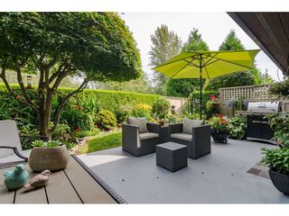 """Photo 36: 2 1640 148 Street in Surrey: Sunnyside Park Surrey Townhouse for sale in """"ENGLESEA COURT"""" (South Surrey White Rock)  : MLS®# R2486091"""