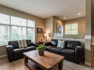 "Photo 3: 726 ORWELL Street in North Vancouver: Lynnmour Townhouse for sale in ""Wedgewood by Polygon"" : MLS®# R2500481"